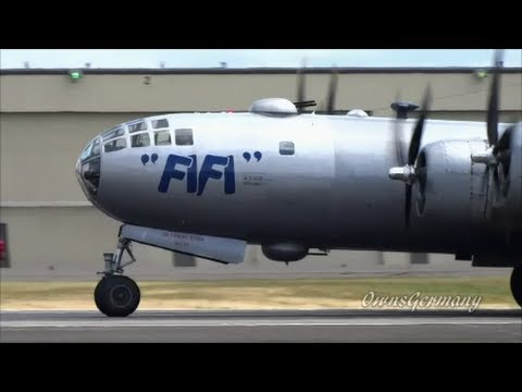 World's Only Flyable Boeing B-29 Departure + Flyover + Landing @ KPAE Paine Field
