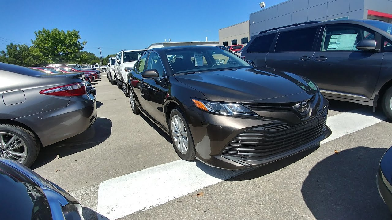 2018 Toyota Camry Le Walk Around And Interior Look