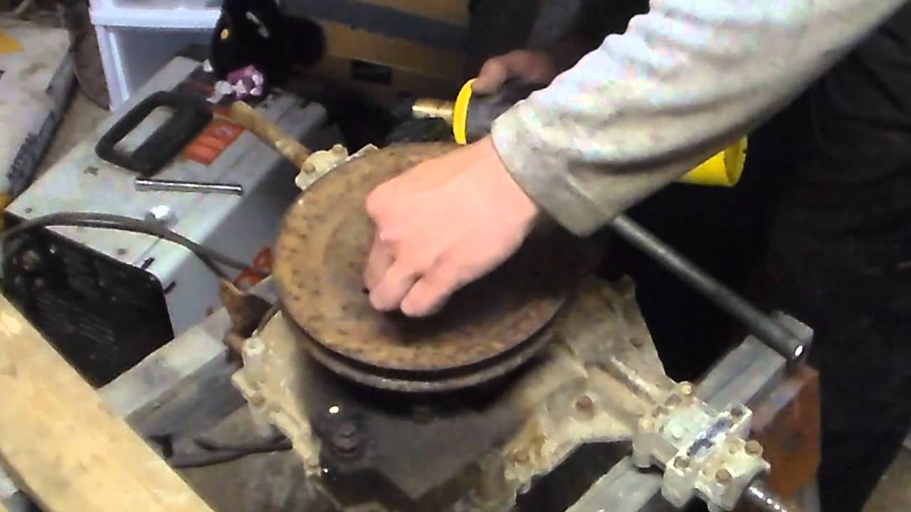 Remove a stuck transaxle pulley in less then 5 minutes WAX