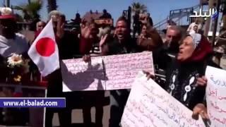 بالفيديو والصور.. وقفة لأهالي الإسكندرية أمام 'القائد إبراهيم' ضد 'عكاشة'