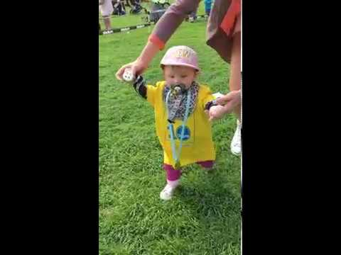 One tiny runner!