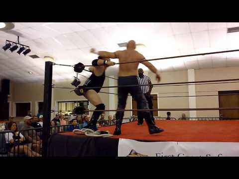 Tommy Penirelli vs Desperado Christian Walker