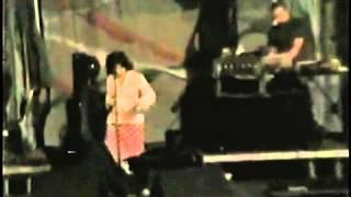 Björk - All neon like rehearsal