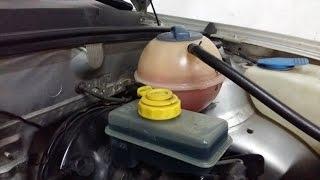 Troca do conjunto da carcaça da válvula termostática Gol G3 e limpeza radiador thumbnail