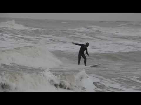 Surf  A San Benedetto Del Tronto Con  Mare In Burrasca Forza 5  24Febbraio 2018