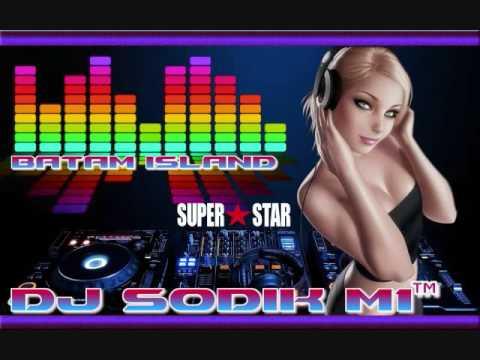 DJ SEMANGAT JUANG  DUGEM FULL MELODY NONSTOP 2016  DJ SODIK,,AGUSTUS