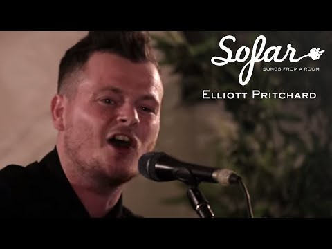 Elliott Pritchard - Hold On to Your Hat | Sofar London