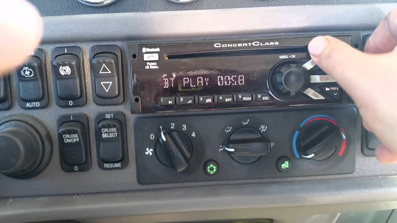 maxresdefault concert class stereo system peterbilt bluetooth youtube peterbilt radio wiring harness at bayanpartner.co