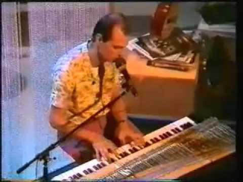 Hubert Minkenberg singt sein Stück