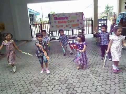 """Kartini's Day Celebration of Kiddy Care Tegal 22 April 2013 """"Ondel - Ondel"""""""