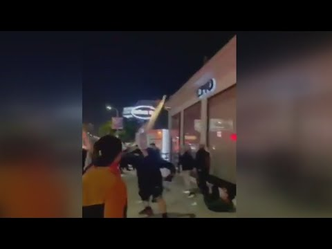 Download VIDEO: Brawl breaks out between protestors and diners outside restaurant in Beverly Grove