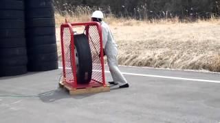 Eksplozja Opony Big Tire Explosion
