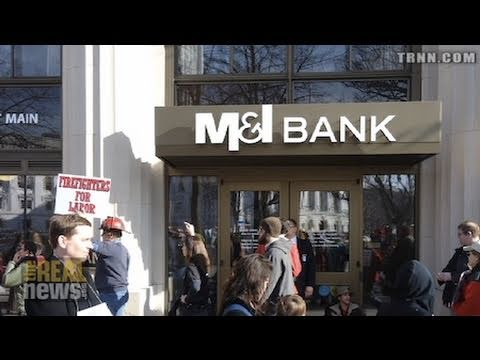 Wisconsin Workers Travel to Times Square to Protest M&I Bankers