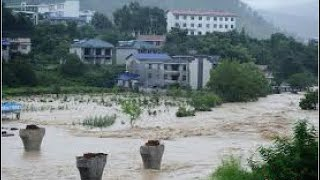 【禁聞】暴雨連續襲擊 湖南張家界山洪爆發 數十學生被沖走 內蒙古赤峰遭洪災 洪水淹沒街道 房屋也淹了