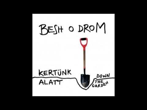 Besh o droM - Csángó leány