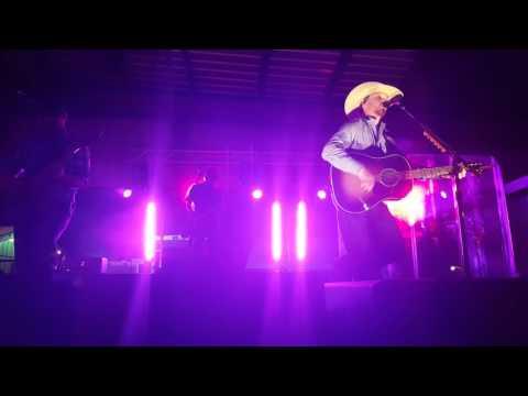 "Cody Johnson ""I Ain't Going Nowhere Baby"" Live"
