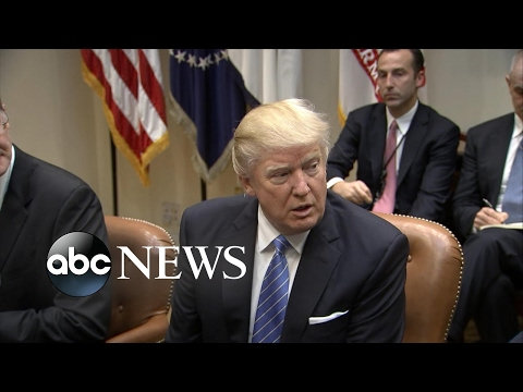 Trump Sits Down With Business Leaders, Vows to Cut Regulations