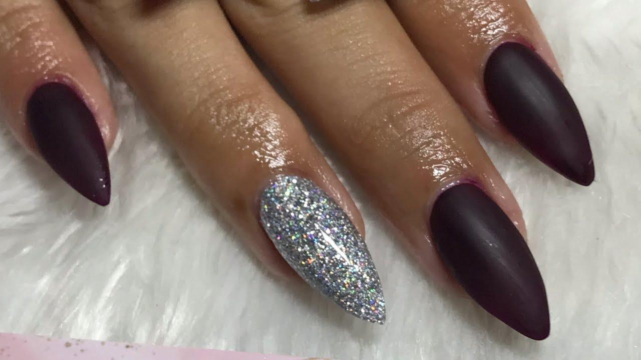 Uñas Acrílicas En Punta Stiletto Uñas Color Uva Con Glitter