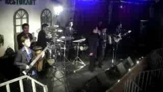 Gambar cover Reflejo Azul (2008) Me Emborracho-En Tuna Restaurat