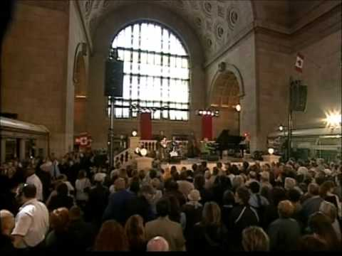DIANA KRALL in concert  Live at Union Station Toronto 2004