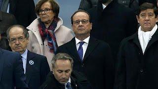 فيديو.. لاعبو فرنسا والسويد يحيون الذكرى الأولى لضحايا هجمات باريس