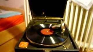 Grammophone Playing, Valerie von Martens