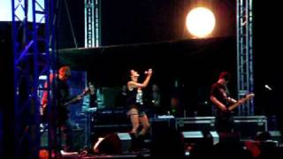 Kosheen - (Slip & Slide) Suicide - live at Love Planet 2005 - Tábor