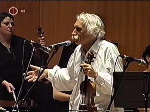 A német kontratánc, Mozart és a magyar legényes. Parallelos inter Mozart e le musica folk hungare.