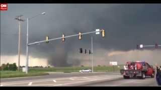 Tornado EF5 en Moore, cerca de Oklahoma City, deja 51 muertos y devastación total (20 de mayo 2013) thumbnail