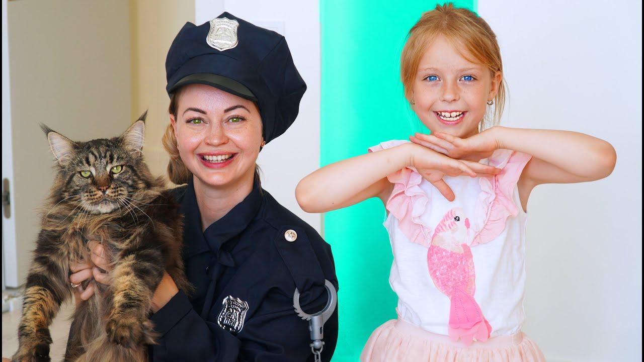 Марго и мама в поисках полицейского и котенка