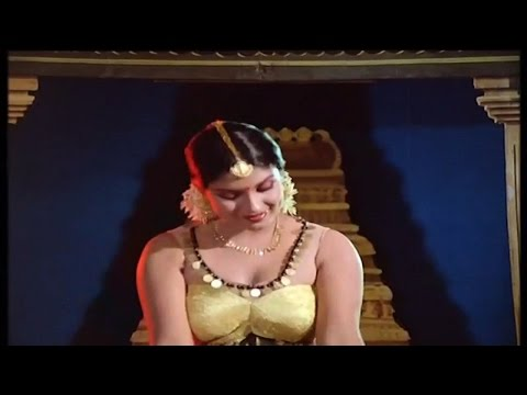 Sri Priya Hot Dance || Beladingala Holeyali || Karune Illada Kanoonu || Kannada thumbnail