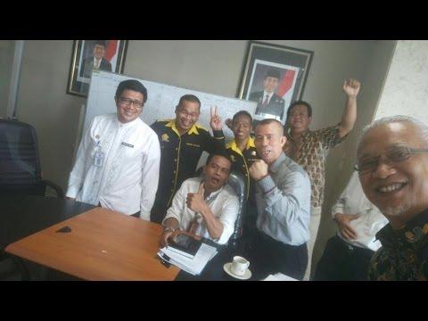 Warga dgn Biro Tata Pemerintahan DKI Jakarta membahas usulan pembentukan RT/RW di Green Pramuka City