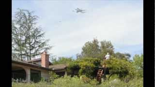 Raw Video: Space Shuttle Endeavour flies over Pasadena near Rose Bowl