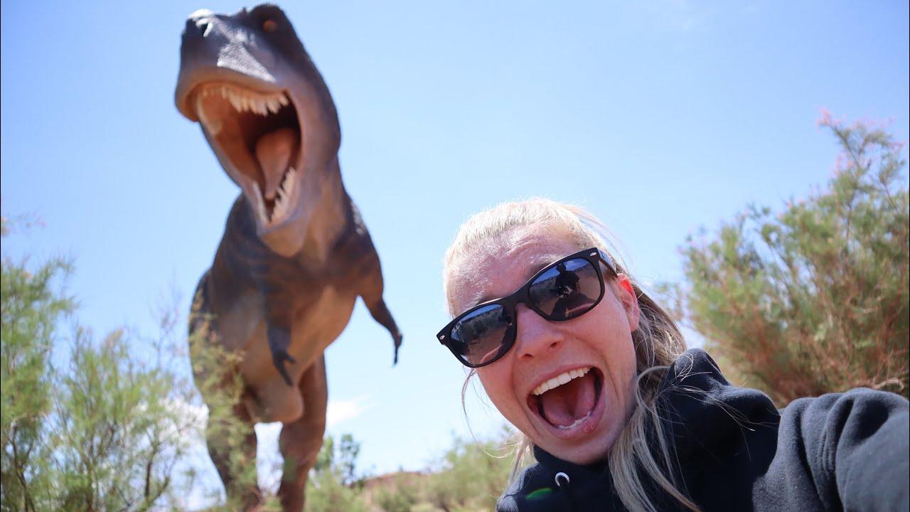 Dinosaurs In The Desert | Trucking Vlog - COOLEST ADVENTURE YET!