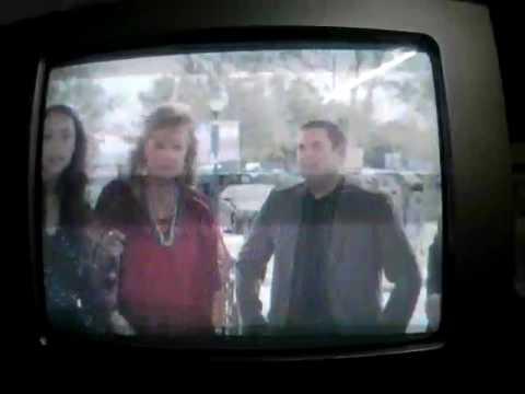 Comando Especial 2: Maya le Muestra a Schmidt que su Padre es el Capitán  Dickson