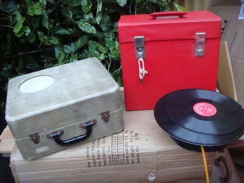 Vintage Gramophone Record Player PHILIPS   disc Jockey  JUNIOR  For Repair