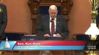 Sen. Horn delivers the invocation to open Michigan Senate session