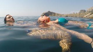 Сильная женщина на острове и в подводной пещере. (тренинг по выживанию от Центра SeaL)