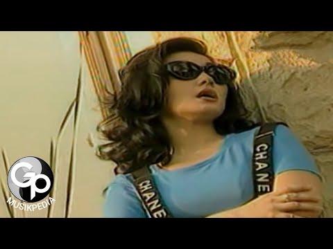 Nia Daniaty - Siapa Tak Ingin Disayang (Official Music Video)
