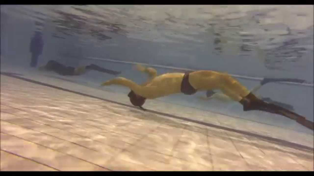 Entrainement piscine youtube for Piscine mauguio