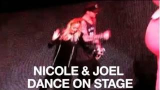 Nicole Richie & Joel Madden Dance on the Yo Gabba Gabba Stage