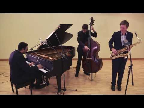 "Wedding Jazz Band Hire - Classic Jazz Band - Trio perform ""A Weaver of Dreams"""