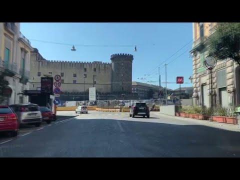 Coronavirus, il centro di Napoli è deserto