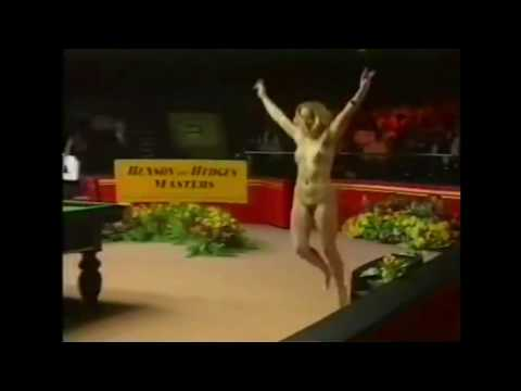 Streaker in 1997 Masters final between Steve Davis and Ronnie O'Sullivan (9.02.1997)