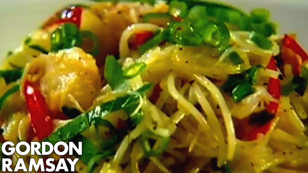 Pasta With Crab Chilli And Lime Gordon Ramsay Youtube