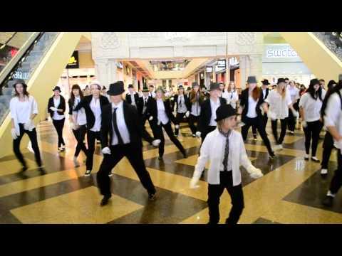 Видео: Флешмоб в память Майкла Джексона в Липецке. LRNews.ru