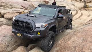Toyota Tacoma and Jeep JL Off Road at Cougar Buttes