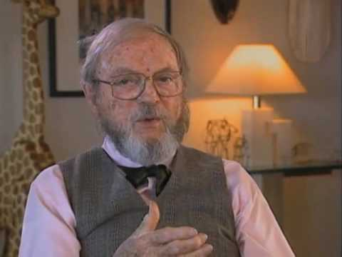 "Chuck Jones discusses ""Merry Melodies"" - EMMYTVLEGENDS.ORG"