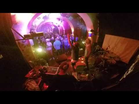 DMG - Dej mi 5 (živě v Jazz Rock Café Cheb 1.7.2016)