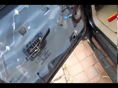 How To Door Panel Removal Front 99 06 Gmc Chevrolet Truck Sierra Silverado Yukon Suburban Tahoe